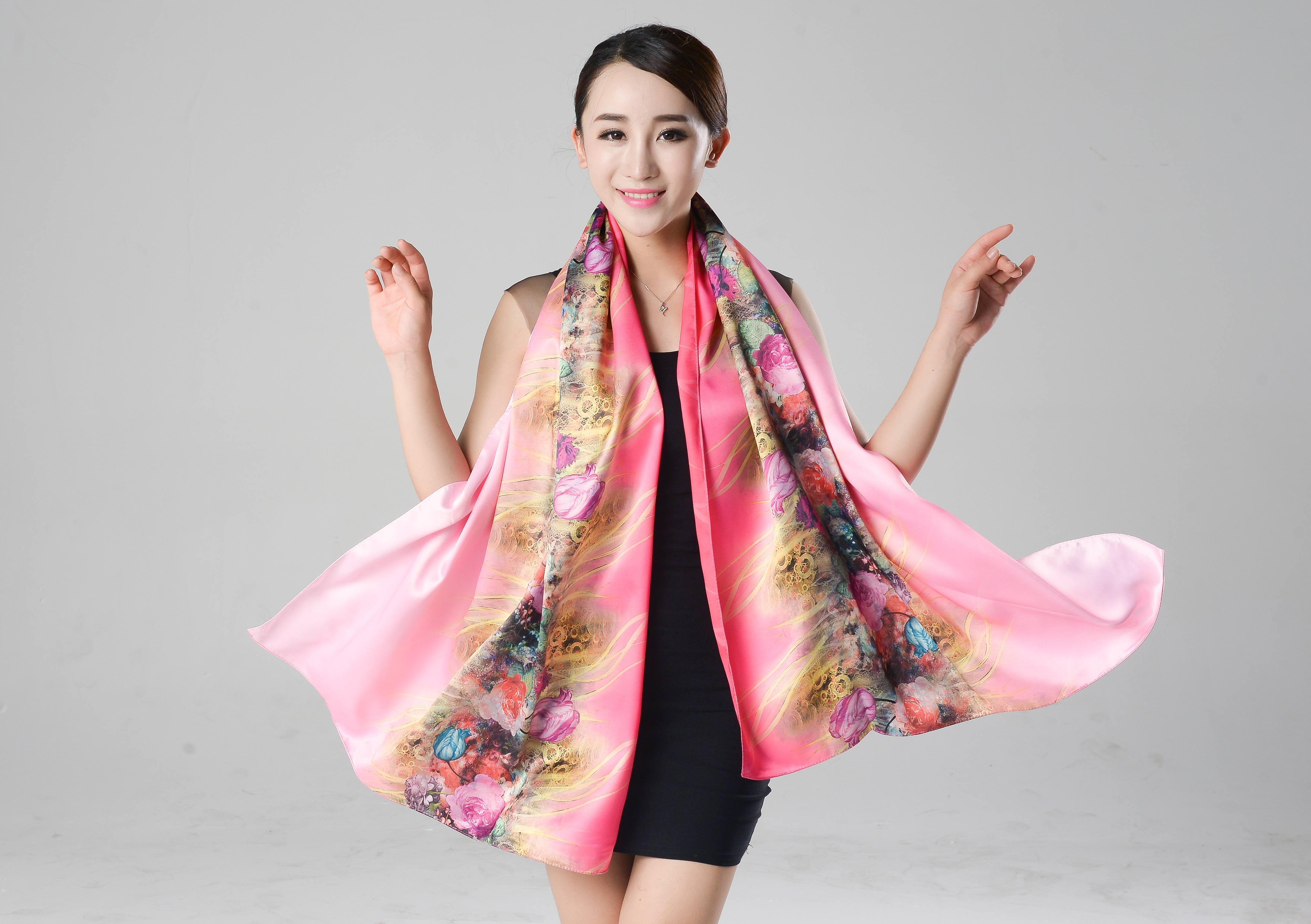 雪纺丝巾围巾秋冬季女防晒遮阳百变空调披肩长款超大沙滩两用百搭