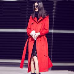 红色羊毛呢大衣