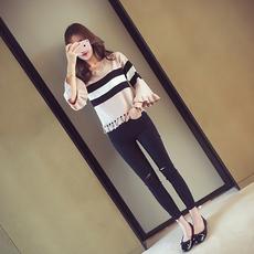 2017秋季新款韩版宽松V领破洞镂空条纹针织衫女装荷叶袖套头毛衣