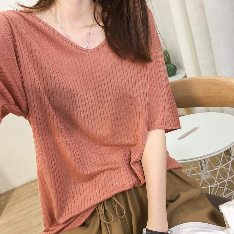 夏季新款坑条冰丝麻V领短袖针织t恤女宽松大码显瘦纯色打底衫体恤图片