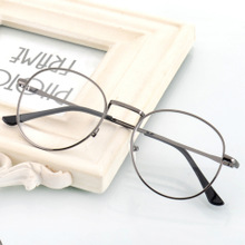 Literary and artistic retro spectacle frame men's Korean version of circular myopic spectacle frame women's metal frame anti-radiation flat glasses tide