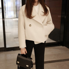 2017秋冬新款韩版宽松时尚短款毛呢外套女白色小香风茧型呢子大衣
