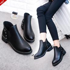 及踝靴女春季英伦风平底马丁靴尖头粗跟黑色百搭短靴学生单靴新潮