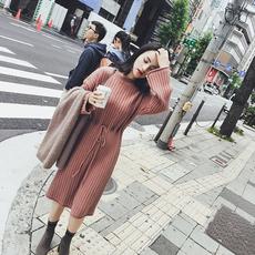 2017秋冬新款韩版修身收腰针织连衣裙女长袖中长款过膝打底毛衣裙