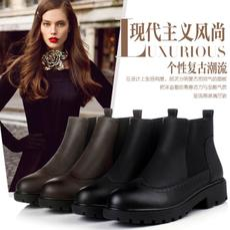 真皮英伦短靴女平跟马丁靴潮平底踝靴秋冬镂空复古单靴机车骑士靴