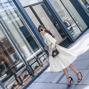 唐家欧美2017秋装新款女装中长款假两件气质风衣式伞摆连衣裙杨桃