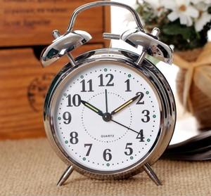 起床困难户超大声音简约闹钟学生闹铃创意懒人变态超响静音床头钟