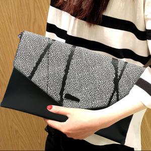 手包女手拿包2017新款时尚潮大容量真皮女士信封包女包小包手抓包真皮女包
