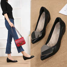 春季2ay21新式尖yu高浅口女士中跟(小)码工作女鞋坡跟黑色豆豆鞋
