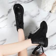 Y36马丁靴女ba4ins网kl020新式秋冬透气黑色网红帅气(小)短靴