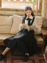 春秋季bi装女文艺复cu少女白色衬衫+黑色背带连衣裙两件套