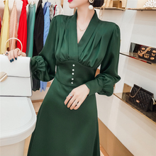 法式(小)dj连衣裙长袖dq2021新式V领气质收腰修身显瘦长式裙子