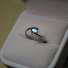 天然斯es兰卡月光石zi蓝月彩月  s925银镀白金指环月光戒面