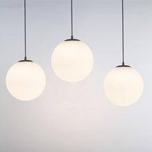 简约单ex奶白圆球形es灯餐厅楼梯创意个性时尚服装时装店吊灯