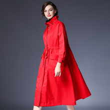 咫尺2fi21春装新ht中长式荷叶领拉链风衣女装大码休闲女长外套