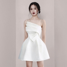 202fr夏季新式名ak吊带白色连衣裙收腰显瘦晚宴会礼服度假短裙