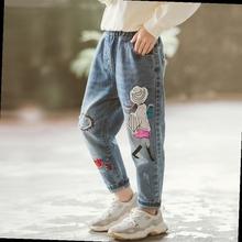 202fu新式中大童ti裤子(小)学生长裤宽松牛仔裤女童欧洲设计师式