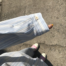 王少女gq店铺202bi季蓝白条纹衬衫长袖上衣宽松百搭新式外套装