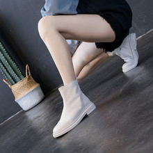 港风uhazzangry020秋冬新式女靴粗跟短靴平底真皮马丁靴女单靴