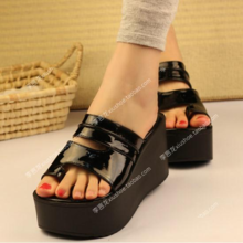 新品韩hk超高跟坡跟jx夏季女PU套趾凉拖鞋厚底松糕跟女凉鞋子