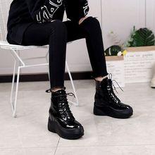 欧洲站ho020秋冬ok漆皮厚底内增高短靴休闲系带坡跟中筒马丁靴