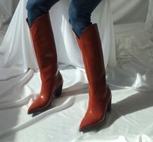 衣玲女ho欧美时尚潮ix尖头靴木纹粗跟秋季高筒靴长靴马丁靴子