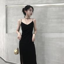 连衣裙hu2021春ho黑色吊带裙v领内搭长裙赫本风修身显瘦裙子