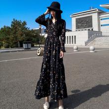 春秋2in21新式超rt连衣裙碎花雪纺V领长袖收腰显瘦到脚踝女裙