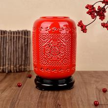 新中式in室床头装饰er明灯红色新婚中国风实木陶瓷镂空台灯