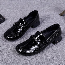 欧洲站jc020春秋bn女鞋漆皮平底圆头百搭单鞋欧美粗跟漆皮鞋