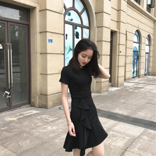 赫本风外ji1哺乳衣夏ao鱼尾收腰(小)黑裙辣妈款时尚喂奶连衣裙