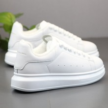 男鞋冬ji加绒保暖潮lb19新式厚底增高(小)白鞋子男士休闲运动板鞋