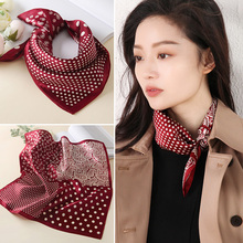 红色丝ka(小)方巾女百an薄式真丝桑蚕丝围巾波点秋冬式洋气时尚