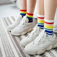 彩色条ki长袜女韩款si情侣袜纯棉中筒袜个性彩虹潮袜