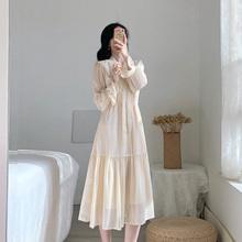 春式女ko新式连衣裙le式复古气质显瘦仙女温柔(小)香风