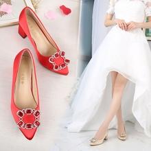 中式婚鞋水钻粗跟中跟尖头