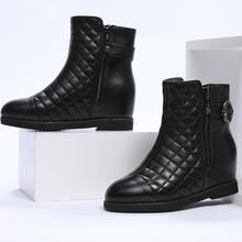 羊皮轻mi菱格纹保暖do美圆头黑色皮鞋格纹内增高黑色时装靴子