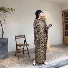 CJCmj秋冬新式气zj女神式宽松冰丝重工有垂度轻奢设计感连衣裙