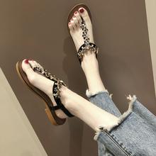 凉鞋女oq021夏季ir搭的字夹脚趾水钻串珠平底仙女风沙滩罗马鞋