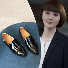 202oz新式英伦风fo色(小)皮鞋粗跟尖头漆皮单鞋秋季百搭乐福女鞋