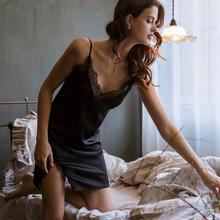 雅(小)姐pa黑色性感女hl带睡裙蕾丝薄V领露背透明(小)心机睡衣女