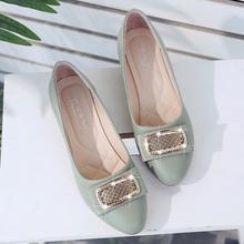 202pv秋季新式百ck奶奶鞋女尖头厚底鞋子浅口中跟单鞋妈妈女鞋