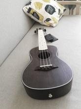 女生桃qi心木乌克丽ye里里23寸初学者成的白色(小)吉他黑色指板