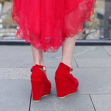 中式婚qu女大码新式li跟鞋结婚鞋子新娘鞋平跟防水台敬酒红鞋