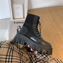 马丁靴qu英伦风20tz季新式韩款时尚百搭短靴黑色厚底帅气机车靴