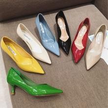 职业Oqu(小)跟漆皮尖ya鞋(小)跟中跟百搭高跟鞋四季百搭黄色绿色米