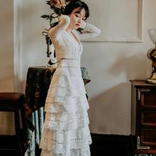202r8秋季性感V8o长袖白色蛋糕裙礼服裙复古仙女度假沙滩长裙