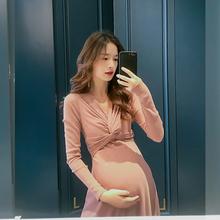孕妇连re裙春装仙女de时尚法式减龄遮肚子显瘦中长式潮妈洋气