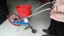 (小)型多ro能手推式 er玉米大豆点播机施肥机