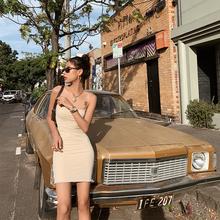 Disroofrieab欧美吊带性感女夏露背紧身有女的味的连衣裙